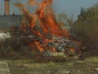 Školení – Dozor nad pálením a hašení pěnou – 18.4.2008 – areál TOS Čelákovice – foto č. 3/25