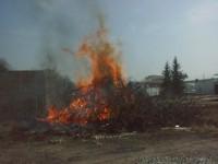 Školení – Dozor nad pálením a hašení pěnou – 18.4.2008 – areál TOS Čelákovice – foto č. 4/25