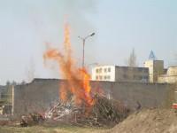 Školení – Dozor nad pálením a hašení pěnou – 18.4.2008 – areál TOS Čelákovice – foto č. 6/25