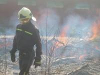 Školení – Dozor nad pálením a hašení pěnou – 18.4.2008 – areál TOS Čelákovice – foto č. 11/25
