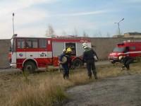 Školení – Dozor nad pálením a hašení pěnou – 18.4.2008 – areál TOS Čelákovice – foto č. 16/25