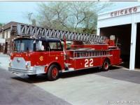 9. CFD Mack Truck 22 s 100′ žebříkem Pirsch, další ukázka velmi podobného vozu