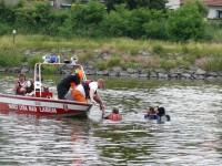 Výcvik na vodě – 10-12.6.2011, Veltrusy – Záchrana tonoucíh pomocí člunu