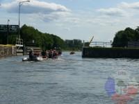 Výcvik v dravé vodě – 2012, Veltrusy – Výlet na lodích – vyplouvání z plavební komory Hořín