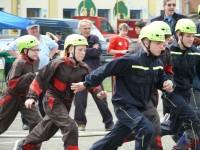 Družstvo starších z SDH Čelákovice po startu – Memoriál Ladislava Báčí – 25.4.2015 – foto č. 25/41